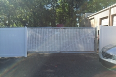 Cantilever Gate with white slats-min